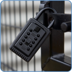 Portable KeySafe installed on a gate
